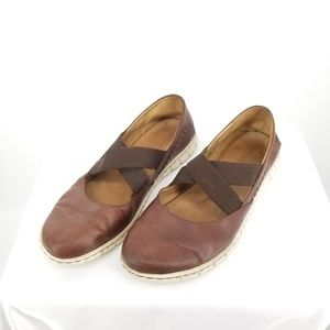 Born Criss Cross Mary Janes Brown Leather 9
